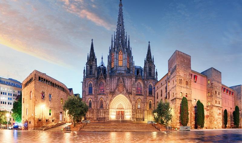 Barcelona mit seinen wundervollen Kirchen