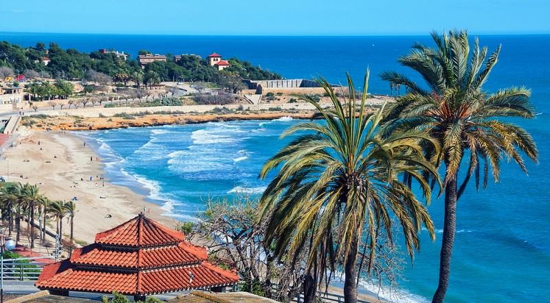 Die Costa Dorada besticht mit ihren ruhigen Stränden, mit klarem Wasser und feinem Sand. Kurzum: Hier wird alles das geboten, was sich Urlauber von ihren Ferien am Meer erhoffen.