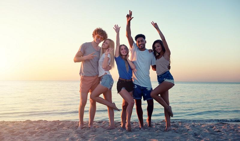 Wer neben dem Studium oder der Schule verpflichtend ein Praktikum durchführen muss, der hat keinen Anspruch auf Urlaub.