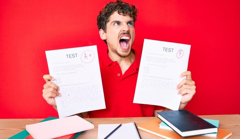 Karriereplanung und die Ausführung macht viel Mühe aber wie toll ist es wenn die Prüfungen bestanden sind. ( Foto:  Shutterstock- Krakenimages.com_)